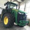 Kolový traktor JOHN DE