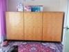Sestava třech šatních skříní