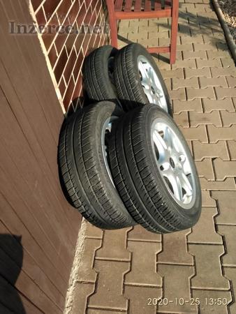 """Alu disků 15"""" + letni pneumatiky  na auto SMAR"""