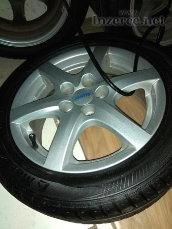 ALU kola R 15 i s pneumatikou