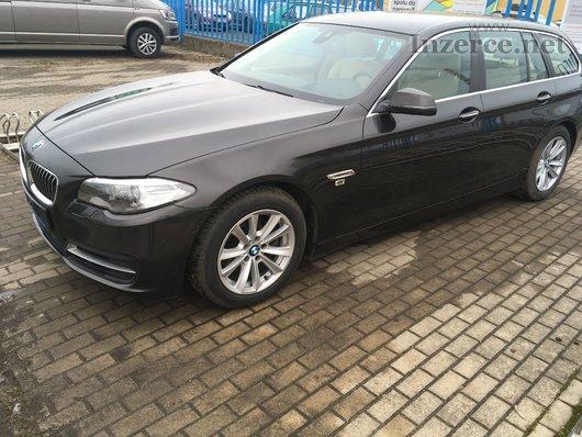 BMW 520d XDrive combi v plné palbě