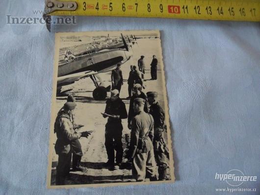 Bojová letadla s důstojníky - foto