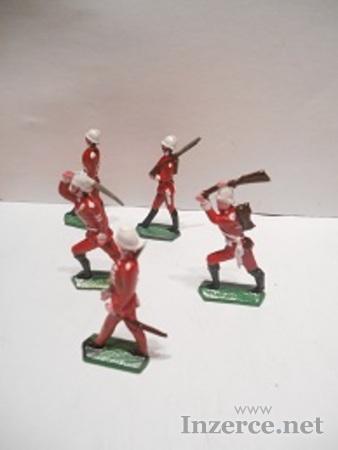 Cínoví vojáčci- rytíři , indiáni.....děla, vozy
