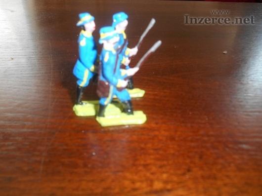 Cínoví vojáčci, rytíři, piráti,jízdní i pěší
