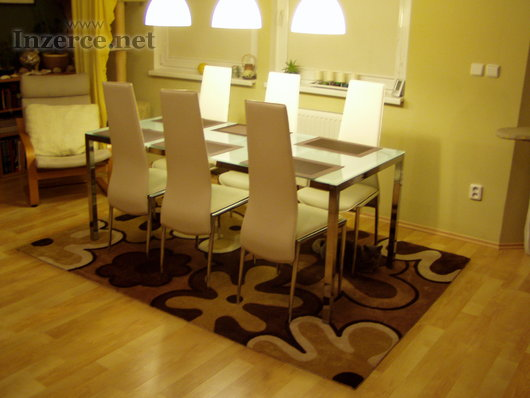 Deska stolu