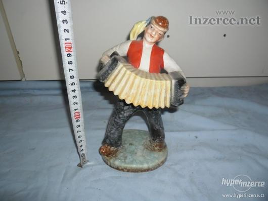 Harmonikář - zn. 1 MAND - PAINTED T DITMAR URBACH