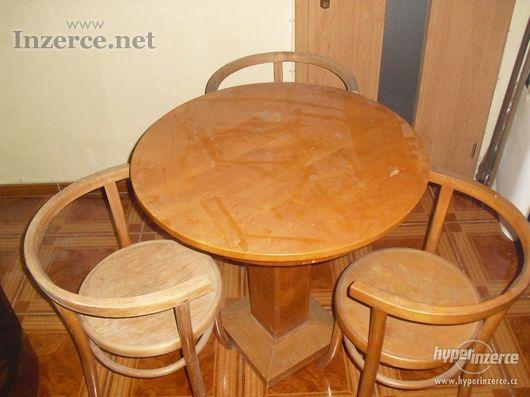 Jídelní stůl + 3 židle Thonet