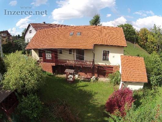 Majitel prodá dům u Prahy přímému zájemci