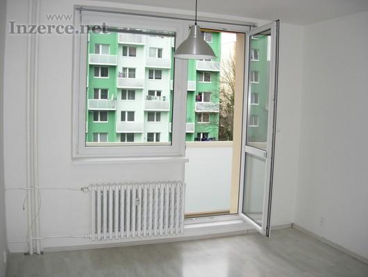 Nabízíme k pronájmu pěkný bezbariérový byt 1+1 Brn