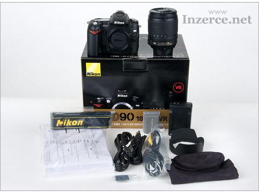 Nikon D90 digitální fotoaparát s objektivem 18-135