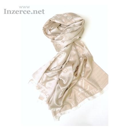 ... šála/šátek Louis Vuitton o rozměru 180x80 cm. Dobírka 80