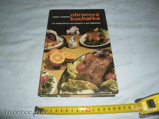 Obrazov.kuchařka barevné.fotografie a 400 předpisů