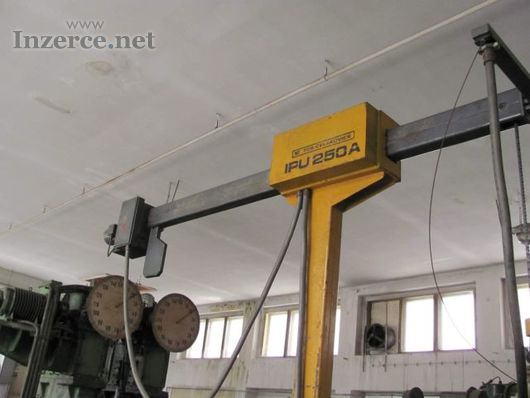 Otočný jeřáb IPU 250A
