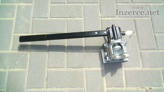 Pákový uzamykatelný sklopný držák na TZ