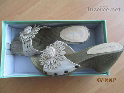 Pantoflíčky - dřeváčky
