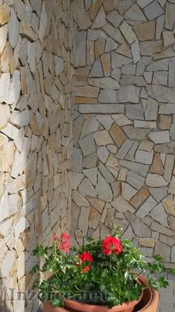 Přírodní kámen na obklady i dlažbu