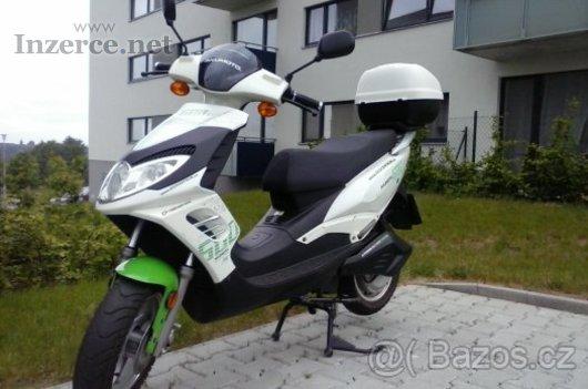 Prodám elektrický Skútr AKUMOTO 600 3Kw
