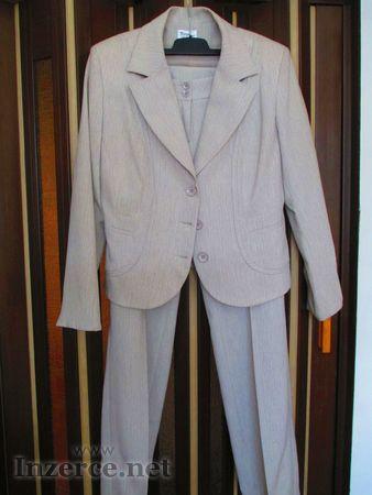 Prodám smetanový kostým