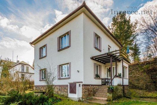 Prodej dvougenerační vily, Dobronín