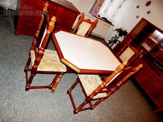 Prodej jídelního stolu, židlí