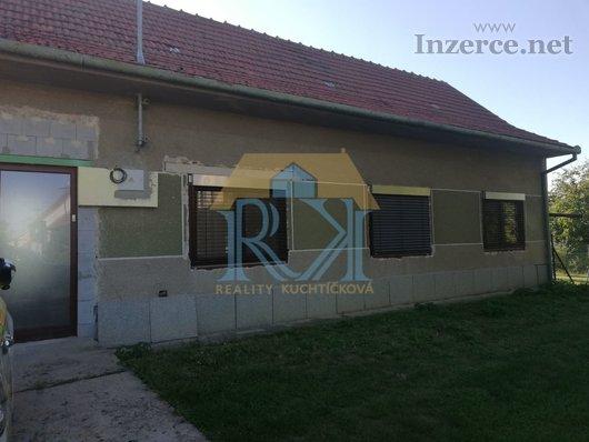 Prodej rodinného domu s verandou