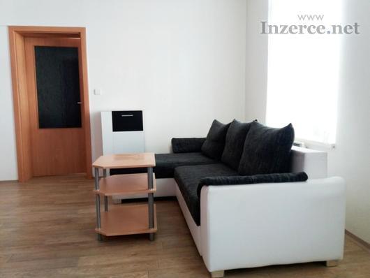 Pronájem bytu 2+kk, 50 m2, Husova ul., Pardubice