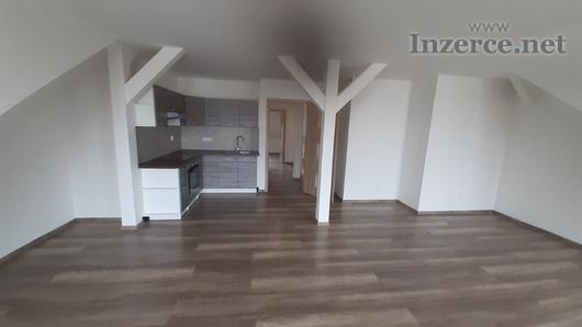 Pronájem - nový podkrovní byt 2+1 v Olomouci