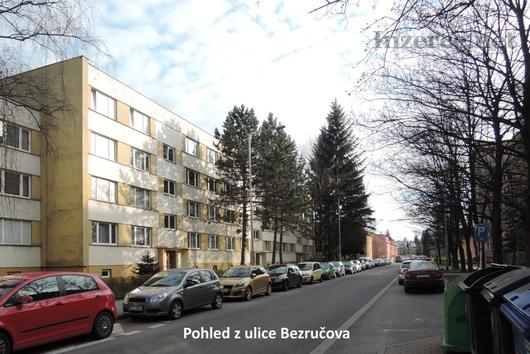 Pronajmu byt 1+1, 36 m2, 1.patro zděné v Místku