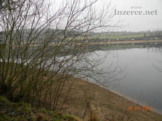 Pronajmu molo a pozemek u Slapské přehrady