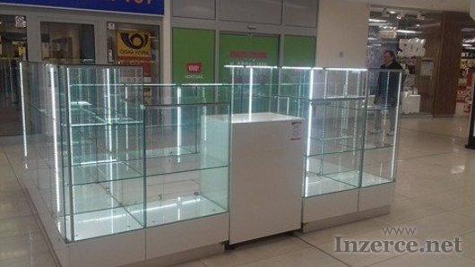 Prosklený prodejní stánek