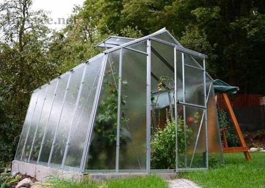 Skleník na zahradu