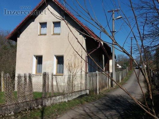 Stavební pozemky se stavbou domu