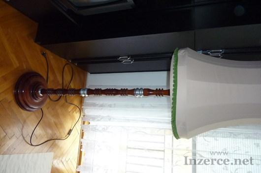 Stojatá lampa