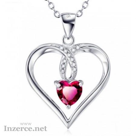 Stříbrný náhrdelník srdce v srdci