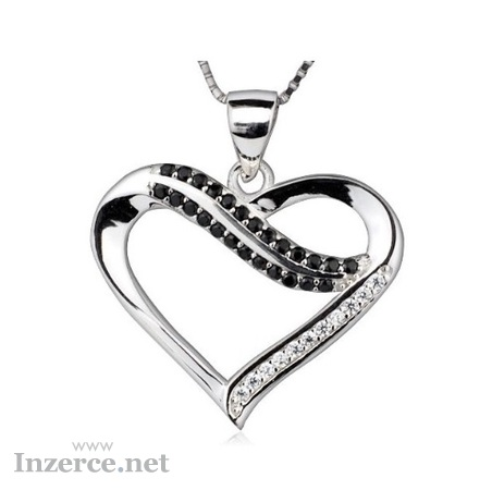 Stříbrný řetízek s přívěskem srdce