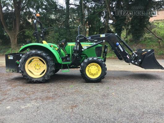Traktor John Deere 555E Trima S Příslušenství