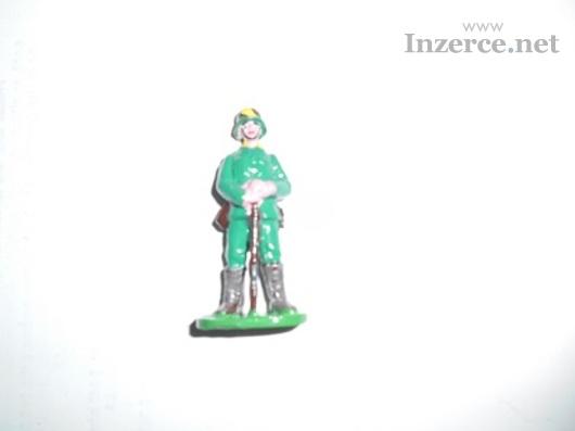Vojáčci - cínové figurky rytířů , indiánů  atp.
