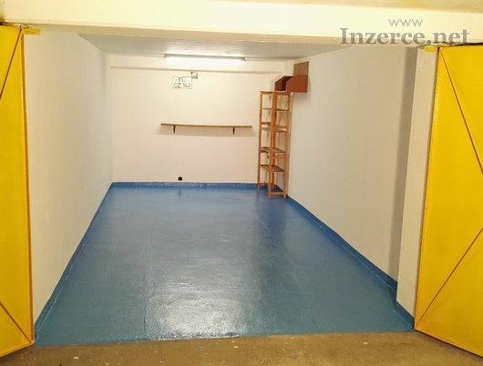 Zděná garáž 18m2 v osobním vl. Pha5